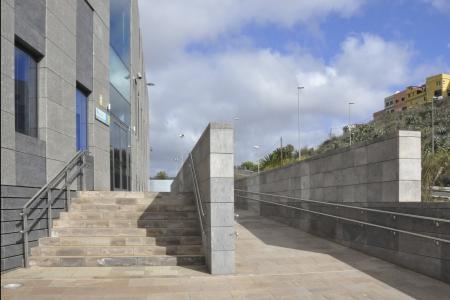 Trasera Rampa y escalera